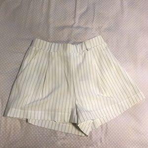🆕 FOREVER 21 stripe Ivory/Black High Waist Shorts